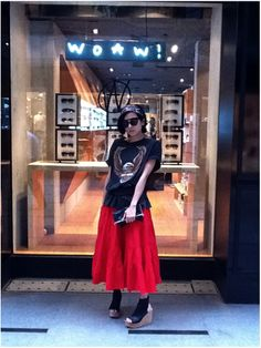 WOAW pop-up store Guest:  Hong Kong's actress-turned style icon Hilary Tsui 徐濠縈