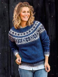 Sweater med stjernebort i Håndværksgarn Fair Isle Knitting Patterns, Jumper Patterns, Sweater Knitting Patterns, Hand Knitting, Pullover Rock, Icelandic Sweaters, Nordic Sweater, Pulls, Knitwear