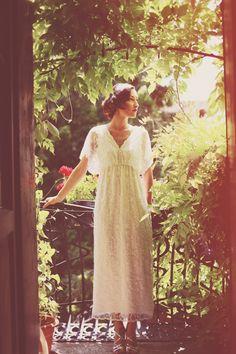 Beautiful 1930s vintage inspired wedding dress, from a 'Vintage Italian Wedding' photoshoot. http://www.aljosavidetic.com/