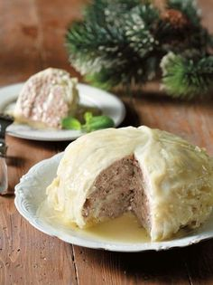 Cabbage with ground meat and cheese filling (olivemagazine. Greek Recipes, Wine Recipes, Dessert Recipes, Eat Greek, Meat And Cheese, Ground Meat, Looks Yummy, Christmas Baking, Cabbage