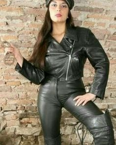 Black High Boots, Leather High Heel Boots, Black Leather Gloves, Vintage Leather Jacket, Black Faux Leather, Tight Leather Pants, Leather Dresses, Biker Girl, Thigh