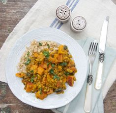 This Deliciously Ella vegan curry is simple to make and tastes great! Curry Recipes, Veggie Recipes, Indian Food Recipes, Whole Food Recipes, Vegetarian Recipes, Cooking Recipes, Healthy Recipes, Diet Recipes, Ella Vegan