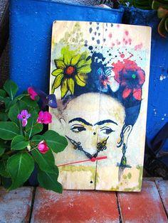 Relógio Frida Kahlo #madeira #pallets #decoupage 21x36cm