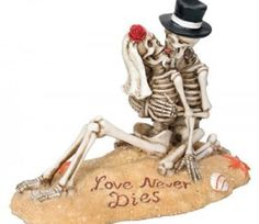 Beach Lovers - Collectible Figurine Statue Sculpture Figure Skeleton