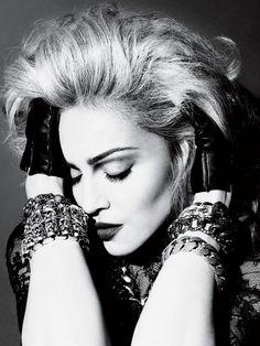 Jewels , posing , attit