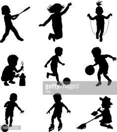 Niños haciendo actividades deportivas diferentes