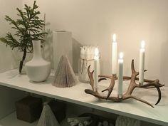Här presenterar jag det som finns att beställa av mig idag. Ni hittar mina priser och storlekar intill bilderna. Är du intresserad att köpa något så läggs ordern på min mail: lapptussan@gmail.com även övriga frågor besvaras där. Aktuell leveranstid fås vid beställningstillfället. Är du ute... Antler Candle Holder, Candle Holders, Noel Christmas, Handmade Home, Bronze Sculpture, Merry Xmas, Yule, Decoration, Horn