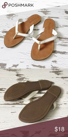 🌟NWOT🌟 Talbots White & Gold Flip Flops Flip-flops were only worn once around my house. They are in perfect like new condition. Talbots Shoes Sandals