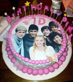 One Direction Fan birthday cake!! The birthday girl didn't want to cut it and ruin the picture!!
