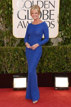 2013 Golden Globes Red Carpet, Sooooo very lovely. Only Nancy could pull this off with her terrific figure. Love the colour and simplicity of this gown and she had the sense to wear her hair up.