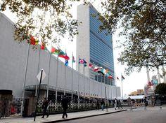 Niemeyer integrou a equipe de arquitetos que projetaram a sede da Organização das Nações Unidas, inaugurada em 1952 em Nova York  Foto: Getty Images
