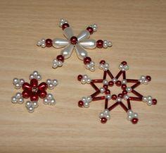 Vánoční hvězdy červeno-bílá – Potvor - pomáhat tvořit