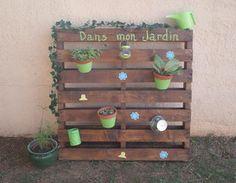 jardin vertical avec une palette déco recup,déco jardin,jardin vertical