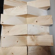 """Palets Rodriguez SL on Instagram: """"¡Buenos días! 🌞  Hoy os enseñamos nuestras cuñas de madera maciza🪓 . . 🔸Para ayudar a insonorizar, puesto que la madera es un buen aislante…"""" Table Lamp, Wood, Instagram, Home Decor, Solid Wood, Wooden Cribs, Bed Headboards, Insulation, Bom Dia"""