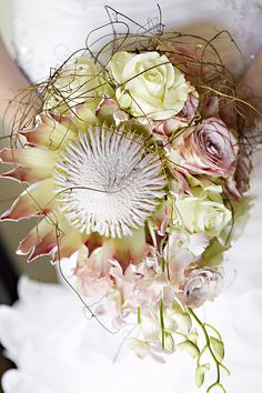 Beautiful Protea bridal bouquet  Photography: Christiaan David Photography  Flowers: Splendid Affairs