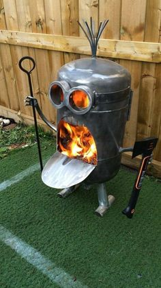 minions Amazing Metal Fire Pit Designs - House Decorations Parsley: A Cook's Best Friend Article Bod Metal Fire Pit, Diy Fire Pit, Fire Pit Backyard, Fire Pits, Large Backyard, Cheap Fire Pit, Minion Fire Pit, Minions, Funny Minion