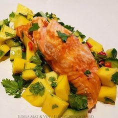 Edels Mat & Vin: Laks i AirFryer ✿ Servert med mango -og agurksalat... Couscous, Feta, Chili, Mango, Chicken, Wine, Cilantro, Manga, Chilis