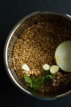 Instant Pot Mexican Pinto Beans are so easy to make, and they're vegan and oil-free! Add this recipe to your next meal plan for Taco Tuesday or anytime! Instant Pot Pressure Cooker, Pressure Cooker Recipes, Slow Cooker, Pressure Pot, Veggie Recipes Healthy, Mexican Food Recipes, Drink Recipes, Veg Dishes, Food Dishes