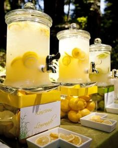 I'll DEFINATELY be serving lemonade and iced tea at my wedding. no alcohol Hochzeit: Gelb & Weiß Yellow Wedding, Summer Wedding, Our Wedding, Lime Wedding, Wedding Ideas, Drink Display, Bridal Shower, Baby Shower, Mellow Yellow