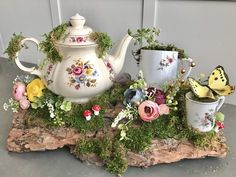 party decorations centerpieces Your place to buy and sell all things handmade Tea Party Centerpieces, Garden Party Decorations, Party Garden, Garden Wedding, Teapot Crafts, Cup Crafts, Cup And Saucer Crafts, Diy Vintage, Vintage Teacups