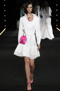 Alexis Mabille Spring 2016 Ready-to-Wear Fashion Show