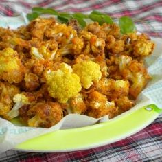 Baked Cauliflorets - A yummy, healthy finger food it becomes when baked, sprinkled generously with spices.