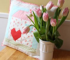 home is where the heart is Pillow Tutorial