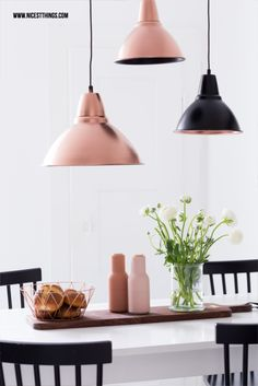 Discover thousands of images about Nicest Things - Food, Interior, DIY: DIY: Lampen mit Sprühfarbe in Kupfer lackieren Copper Interior, Diy Interior, Modern Interior Design, Copper Pendant Lights, Copper Lamps, Copper Metal, Ikea Foto, Rose Gold Lamp, Diy Spray Paint