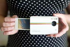 Polaroid Instant Camera. In my xmas wishlist!!