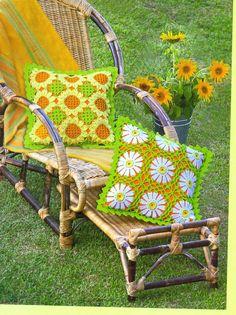 "Crochet - Free Scheme: ""Almofada de croche"" - Level: intermediate."