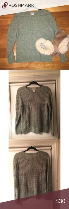 L.L. Bean Green Women's Cardigan, Lamb's Wool, XL First picture (with flash) depicts color 🌻 LL Bean 80% lamb's wool sweater 🌻 Color is a mossy green 🌻 Gently used. L.L. Bean Sweaters Cardigans