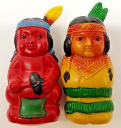 Vintage Plastic Native American Indian Family w Baby Salt Pepper Shakers Decor Indian Ceramics, Indian Family, Salt And Pepper Set, Salt Pepper Shakers, Vintage Ceramic, Native American Indians, Nativity, Stuffed Peppers, Christmas Ornaments