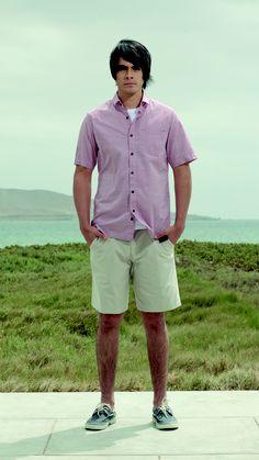 Camisa mil cuadros OMCC0008 - Tshirt básico cuello redondo (código: OMOD0001) - Bermuda hilo color mil rayas reversible (código: OMBR0001)