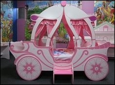 THE PRINCESS CASTLE CARRIAGE BED
