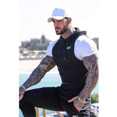 """Yaki boY💋 on Instagram: """"#YakiboY💋 30% Off Everything 💸 Shop the freshest release's online now ! Link in bio ! 👊🏽 @rigfitactivewear photographer…"""" Sexy Tattooed Men, Eye Candy Men, My Boys, Tattoos For Guys, Hot Guys, Bodybuilding, Handsome, Sporty, Twilight"""
