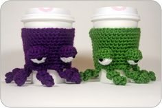 @twinkiechan shared a free #crochet pattern for a grumpy octopus cup cozy – too cute!