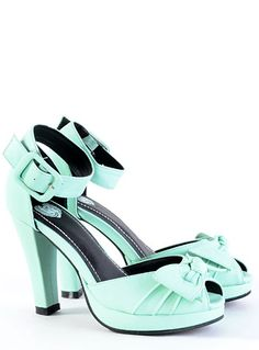 Pin-Up Girl Minty Bow Pumps   PLASTICLAND