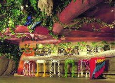 The upstairs shop - Picture of Rainforest Cafe, London - Tripadvisor Decor Interior Design, Interior Decorating, Rainforest Cafe, Tropical Fish Tanks, Kids Spa, Dance Themes, Unique Restaurants, Forest Theme, London