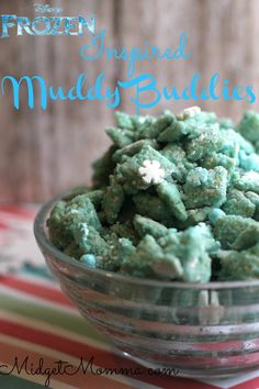 Muddy Buddies are always a good idea, as a matter of fact they are one of my favorite homemade sweet snacks. You get your crunch, your creamy, and your sweetness all in one bite­ with the slightest hint of salty. If you have a FROZEN fan in your house, and really who doesn't? You can make them FROZEN themed to feed their belly and their obsession. Just a few fun items turn a perfectly delicious bowl of Muddy Buddies into an even better themed snack.