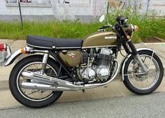 Kawasaki Bikes, Honda Bikes, Honda Cb750, Classic Honda Motorcycles, Racing Motorcycles, Vintage Motorcycles, Japanese Motorcycle, Cafe Racer Motorcycle, Classic Bikes