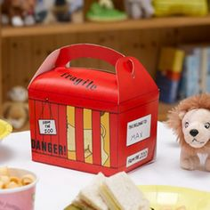 Dear Zoo Party Meal Boxes.  Take cake home, serve a picnic meal or use as a party favour box!