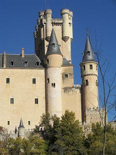 Segovia > Alcazar   Spain