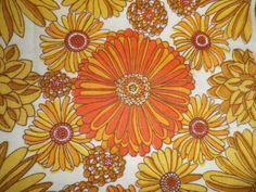 Vintage-1970s-Poly-Cotton-Basket-Weave-Fabric-Offcut-Retro-Big-Orange-Flowers