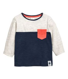Baby Boy Tops & T-shirts - Kids clothing Toddler Boy Outfits, Kids Outfits, Boys Clothes Online, Kids Clothing, Baby Boy Tops, H&m Kids, Children, Kids Fashion Boy, Boys Shirts
