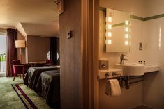 Our bedrooms at the Park Royal Hotel in Warrington, Cheshire, are both inspiring and relaxing to provide the perfect haven to unwind in at the end of the day. Relax, Mirror, Bedroom, Inspiration, Furniture, Home Decor, Biblical Inspiration, Decoration Home, Room Decor