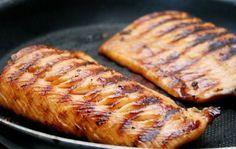 Salmon al Carbon Brazilian Dishes, Cod Fish, Cordon Bleu, Easy Cooking, Fish Recipes, Food Hacks, Seafood, Food And Drink, Pork