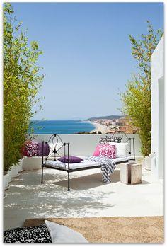 Art Symphony: White villa in Spain