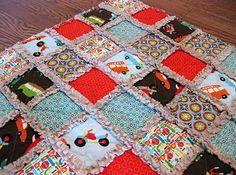 rag quilt... tutorial on http://greenappleorchard.blogspot.com/2009/05/easiest-quilt-ever-rag-quilt-tutorial.html