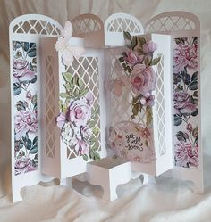 Fancy Fold Cards, Folded Cards, Card Making Inspiration, Making Ideas, Screen Cards, Tattered Lace Cards, Interactive Cards, Shaped Cards, Candy Cards