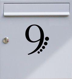 Hausnummer einstellig 02 - Briefkastentattoo - Wunschzahl, Wunschfarbe - von Design Out Of Norm